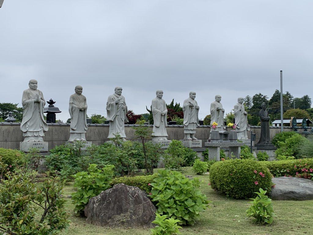 霊園と墓地の違いって?